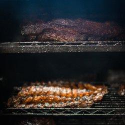 barbecue restaurant near wrigley field