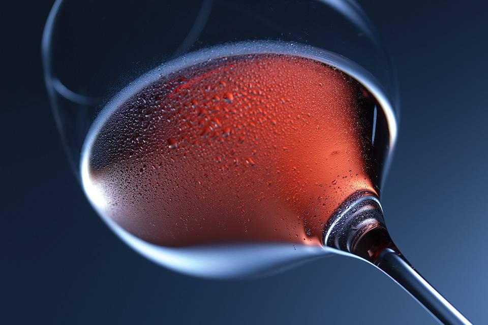 verre de vin rouge et sport