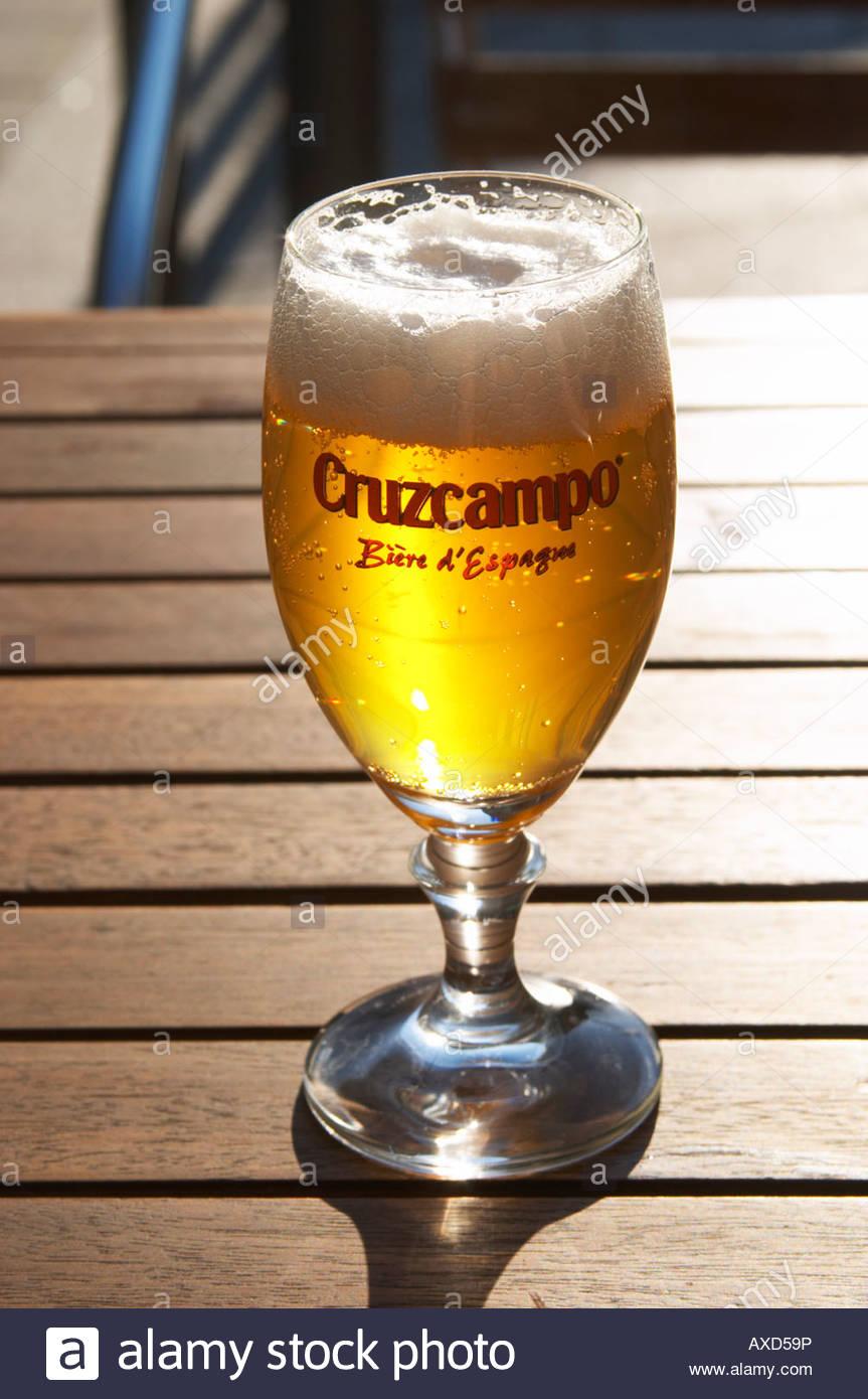 verre à bière bordeaux